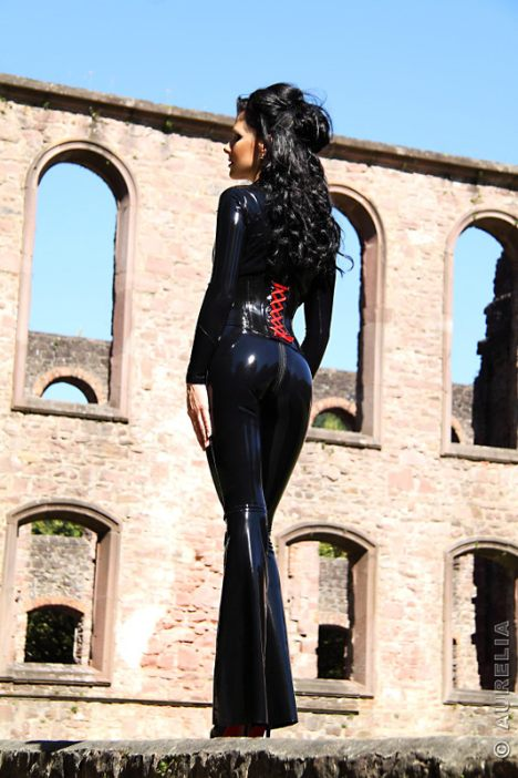 latex-couture